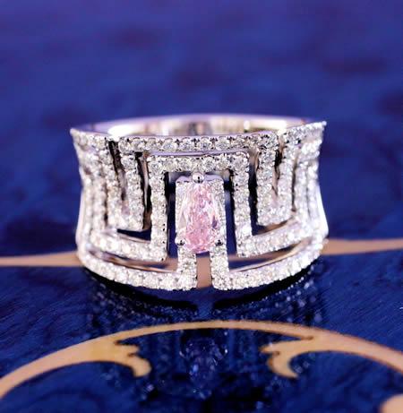 南アフリカ産天然ピンクダイヤ