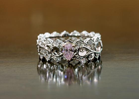 Luciole Collectionカラーダイヤモンドのピンクダイヤ