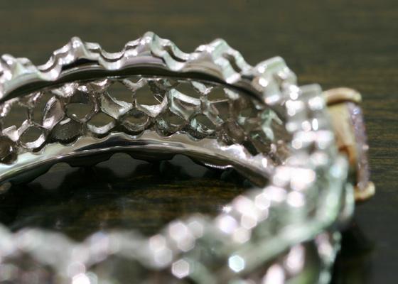 カラーダイヤモンドルシオール ハニカム構造
