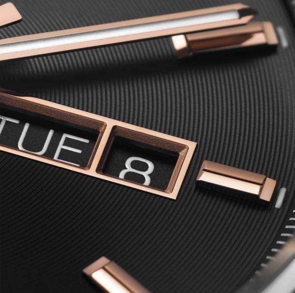 新型 タグ・ホイヤー カレラ キャリバー5 デイデイト 41mm ローズゴールドハイライトブラック文字盤